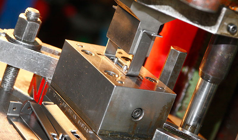 штамповка гибка металла